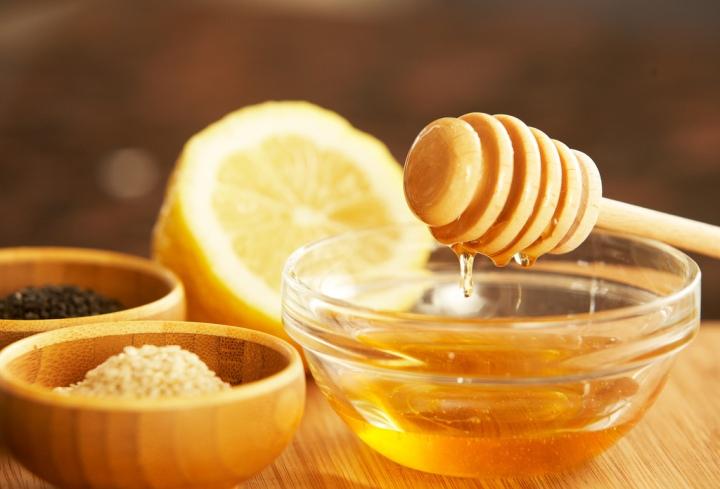 Facial Friday's: Lemon Honey FaceExfoliator